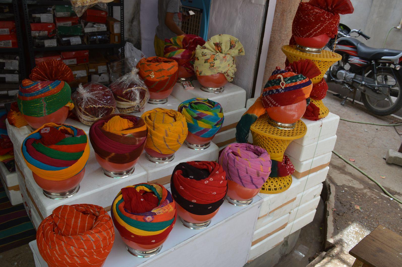 राजस्थान के इस शहर में क्यों तैयार की जा रही है इतनी तादाद में पगडियां