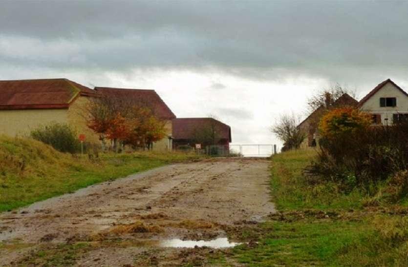 एक ऐसा गांव जो है बेहद खूबसूरत लेकिन यहां नहीं रहता कोई इंसान, वजह बेहद हैरान करने वाली