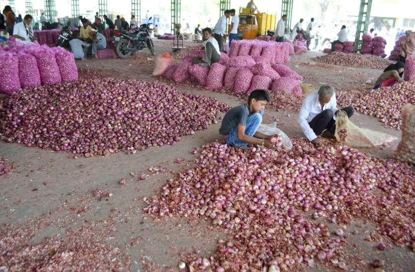 सरकारी खरीद से पहले अन्नदाता के निकल रहे आंसू