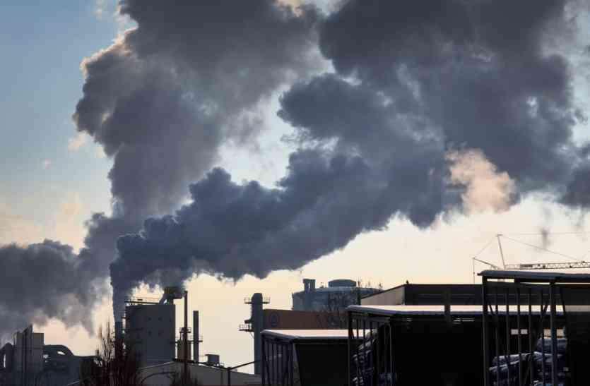 प्रदूषण कम करने रायपुर से सटे उद्योगों को शिफ्ट करने का प्रपोजल, 4 साल में जमीन भी नहीं ढूंढ पाया विभाग