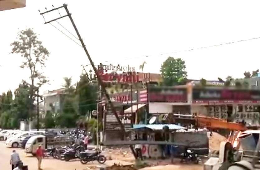फैनी बवंडर में बिगड़ी बिजली व्यवस्था को दुरुस्त करने में लगा बिजली विभाग