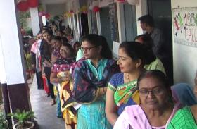 फतेहपुर में छिटपुट घटनाओं के बीच 55.24 फीसदी मतदान, कई जगह ग्रामीणों ने किया वोट बहिष्कार