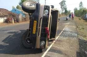 अलग-अलग सड़क हादसों में 2 की मौत 18 घायल