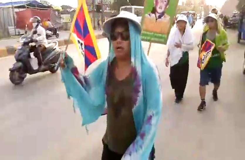 तिब्बत के 11वें गुरु पंचेन लामा का चीन से रिहाई की मांग को लेकर रैली