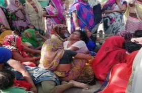 स्कूल बस की चपेट में आने से बालक की मौत, ग्रामीणों ने लगाया जाम