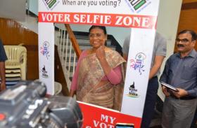 राज्यपाल द्रौपदी मुर्मू, हेमंत, सुबोधकांत समेत अन्य ने वोट डाला
