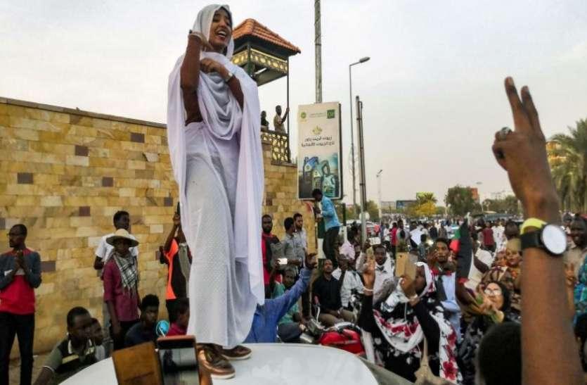सूडान की तानाशाही को उखाड़ फेंकने में महिलाएं रहीं सबसे आगे, अब सरकार में भी शामिल होने की उम्मीद
