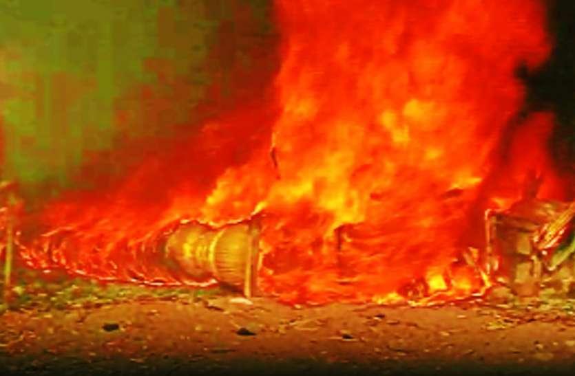 जीएनटी मार्केट में लकड़ी की दुकान में लगी आग, खाक हो गया पूरा सामान