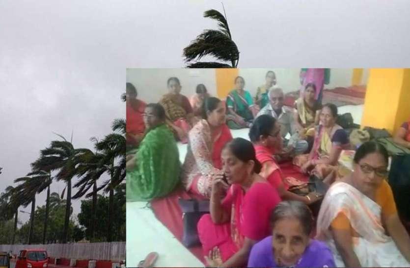 ओडिशा के पुरी शहर में तीर्थ यात्रा पर गए तूफान में फंसे