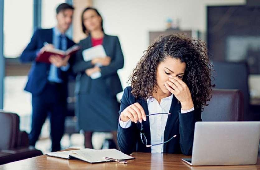 गपशप के दौरान महिलाओं से ज्यादा नीचे गिर जाते हैं पुरुष, एक बार शुरू होने पर 52 मिनट तक नहीं रुकते