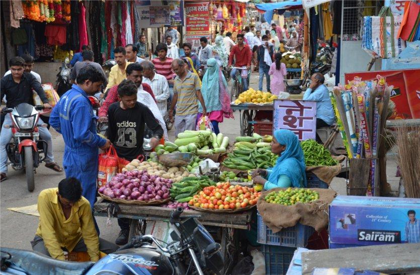 दस रुपए की पर्ची कटवाकर सड़क पर बीस फीट तक कब्जा, पढ़े खबर