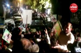 VIDEO: पूर्व PM नवाज शरीफ के जेल जाने के दौरान सड़क पर उतरे हजारों समर्थक