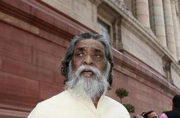 चुनाव प्रचार से दूर रहने वाले आठ बार के सांसद 'गुरुजी' को नहीं है पीएम मोदी से डर