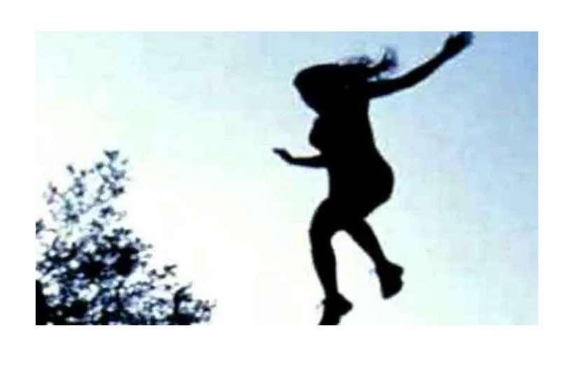 पांच साल की मासूम के साथ महिला ने नहर में लगाई छलांग, तलाश में जुटे गोताखोर