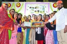 सांस्कृतिक संध्या में आकर्षक प्रस्तुतियां, किया प्रतिभाओं का सम्मान
