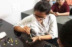 DSIFD सेंटर में महिलाओं के लिए फैशन एसेसरीज वर्कशॉप