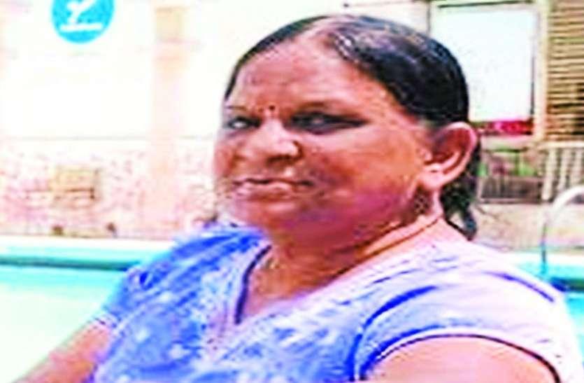 MOTHER'S DAY : पानी से सोना निकालने वाली इस मां ने शहर की बेटियों को बना दिया हीरा
