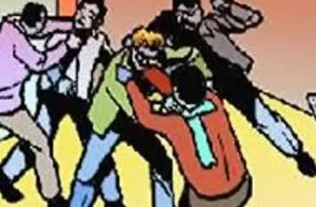 युवक की टूटी शादी तो आपस में ही भिड़ गए दो परिवार, जमकर बरसे लाठी व डंडे, एक का फूटा सिर