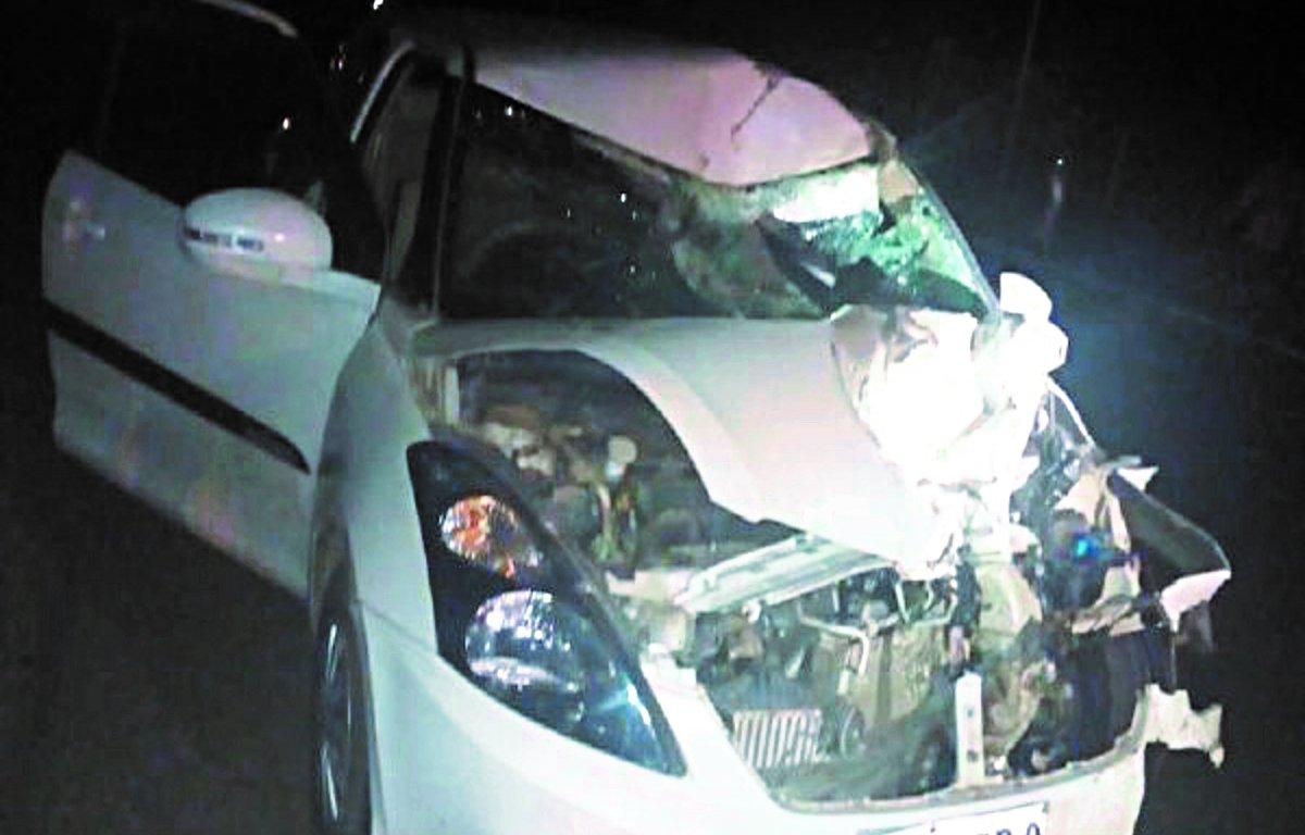 कार की चपेटमें आईबाइक, दो ने मौके पर ही तोड़ा दम