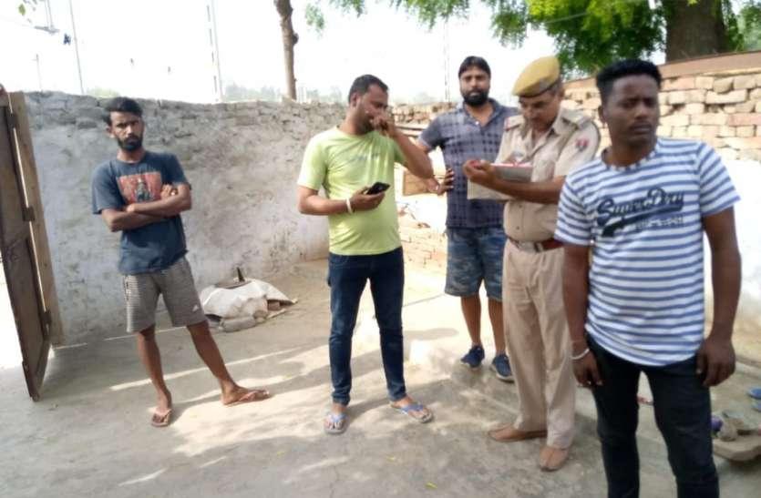 परिवार गया वोट डालने बिहार, पीछे से चोरों ने खंगाला सूना मकान
