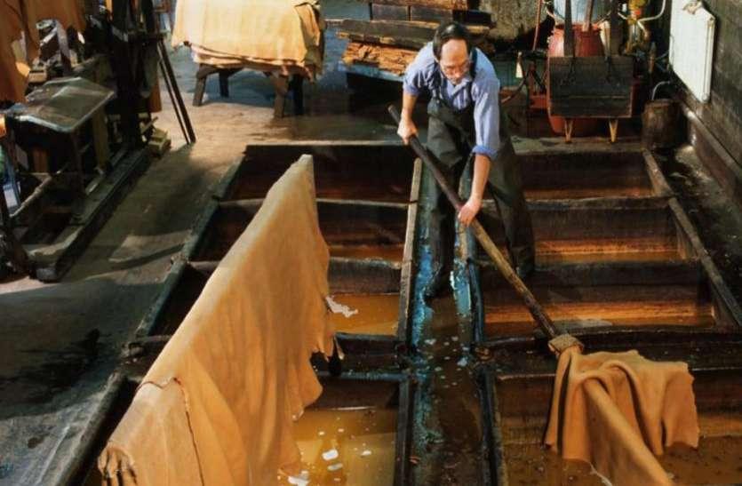 VIDEO: कुंभ मेले के बाद से ही चमड़ा उद्योग काफी घाटे में चल रहा है