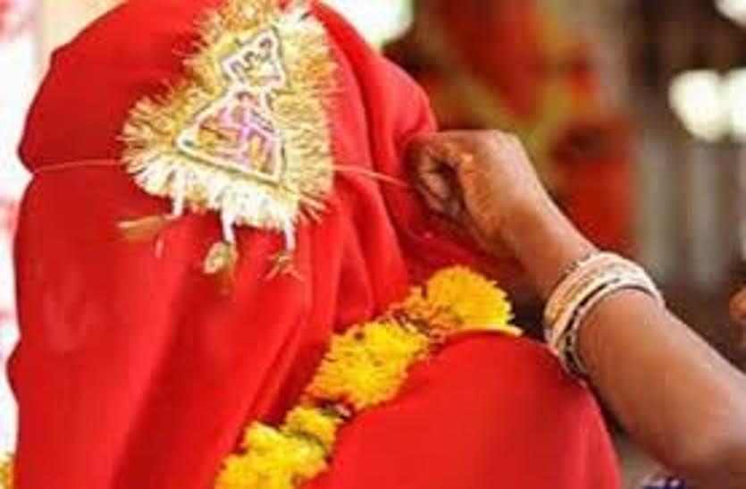 बारात आने से पहले पहुंची महिला बाल विकास की टीम, रोकी गई नाबालिग की शादी