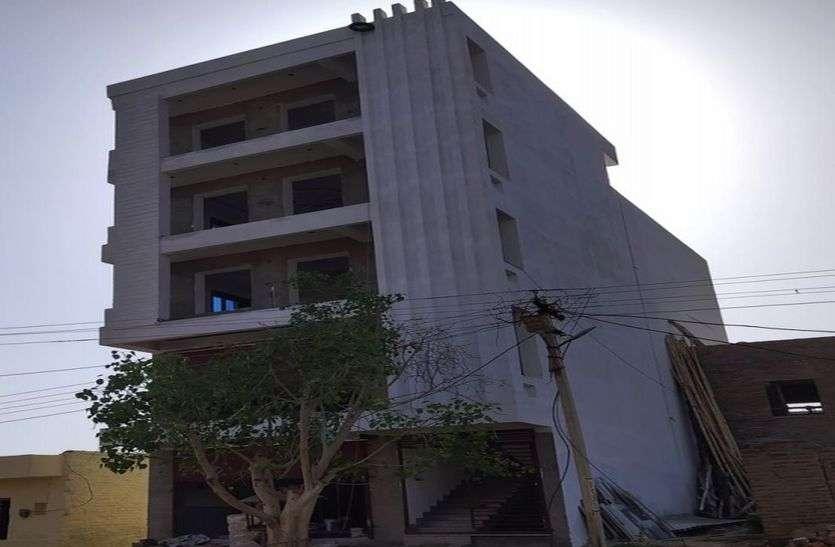आवासीय कॉलोनियों में बहुमंजिला इमारतें बन सकती हैं बड़े हादसे की वजह