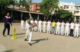 समर कैंप में निखर रहा खिलाडिय़ों का हुनर, क्रिकेट, फुटबॉल के साथ एथलेटिक्स की दी जा रही ट्रेनिंग
