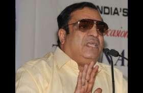 कांग्रेस नेता की भविष्वाणी : न मोदी पीएम बनेंगे , न कुमारस्वामी सीएम पद से हटेंगे