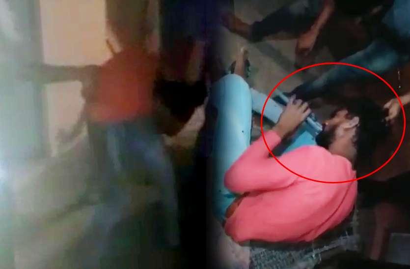 VIDEO: राजस्थान में युवक के साथ बेहद घिनौनी हरकत, बदमाशों ने मारपीट के बाद चप्पल चटाई, वीडियो बनाकर वायरल किया