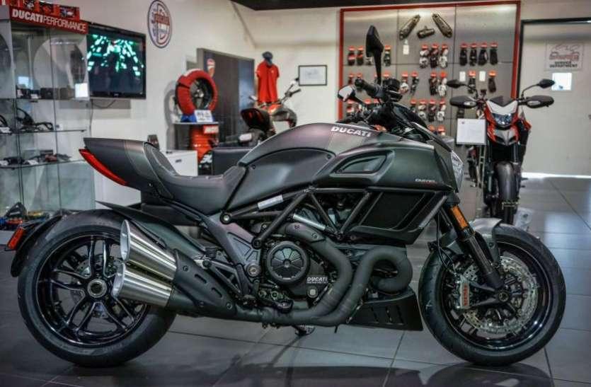 Ducati Diavel सुपरबाइक पर मिल रहा 6 लाख रुपये का बंपर डिस्काउंट