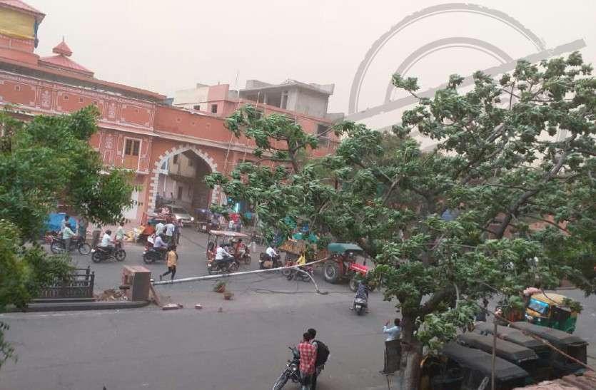 जयपुर में अधंड से 100 से ज्यादा पोल टूटे, लाइनें क्षतिग्रस्त, कई इलाकों में बिजली रही गुल