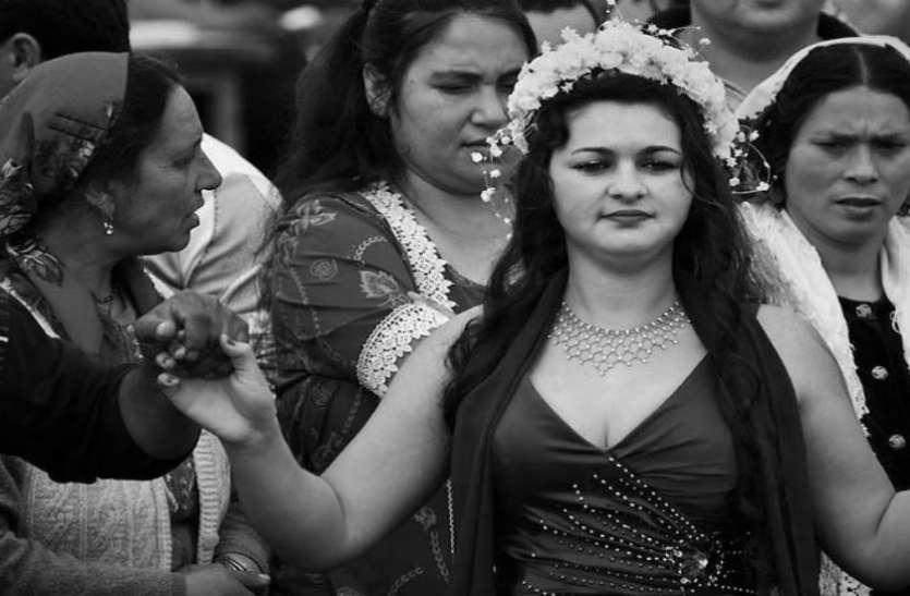 परंपरा के नाम पर मां-बाप बेचते हैं बेटियां, खुलेआम लगती है मंडी