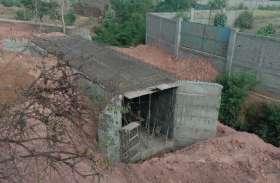 कार्रवाई से बच रहे नजूल तहसीलदार, यहां धडल्ले से जारी है पुलिया निर्माण