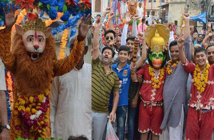 शोभायात्रा में गूंजे भगवान नृसिंह के जयकारें, संजीव झांकियों के साथ किया लीलाओं का मंचन