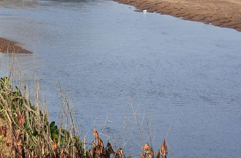 बांगो डेम से छूटा पानी, झोराघाट में बह गई युवती हो गई मौत