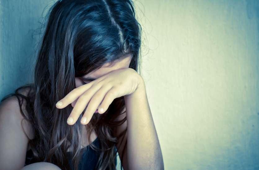 किशोरी को महिला के चंगुल से छुड़ाने को लोगों ने किया पथराव