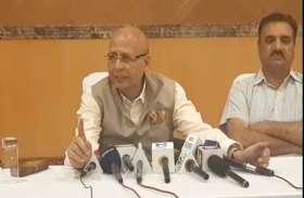 #Congress spokesman Abhishek Manu Singhvi ने कहा,  मोदी शाह पर कार्रवाई नहीं करता चुनाव आयोग