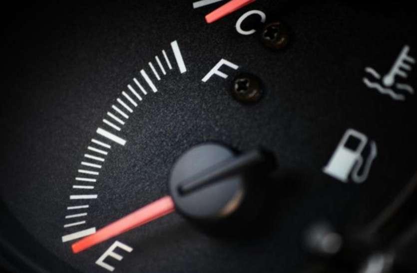 पेट्रोल खत्म होने के बाद भी 3 किलोमीटर तक चला सकतें हैं अपनी बाइक, आज ही जान लें कैसे