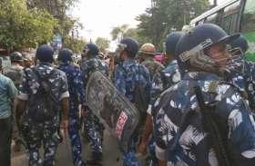 बंगाल विस उपचुनावः भाटपाड़ा में बड़े पैमाने पर हिंसा, मारपीट, बमबाजी, आगजनी
