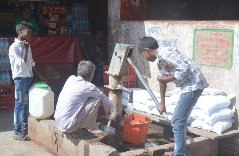भीषण गर्मी में सूख रहे कंठ, समाजसेवियों ने प्याऊ खोलने से हाथ खींचे, यह है प्रमुख वजह
