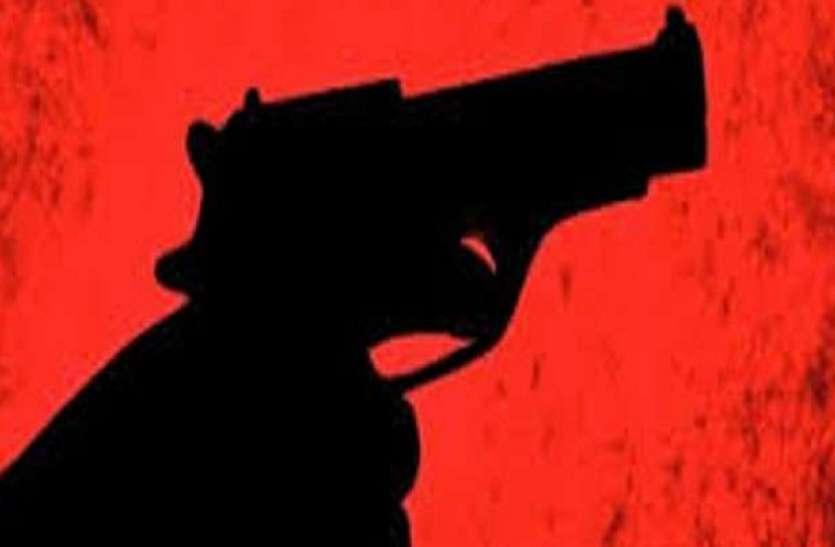 जम्मू-कश्मीरः कुलगाम में आतंकियों ने PDP नेता को मारी गोली, हालत गंभीर