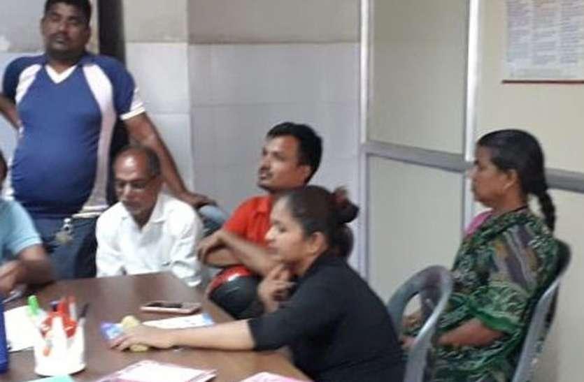 इंस्टाग्राम पर दोस्ती से बहकी विवाहिता को सखी मंडल ने समझा-बुझा कर घर भेजा