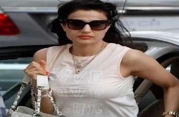 धोखाधड़ी मामले में अभिनेत्री अमीषा पटेल को रांची कोर्ट का नोटिस, 17 जून को हाजिर हों