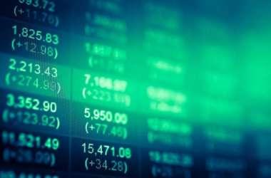 EXIT POLL जारी करने के दो दिन के बाद मीडिया सेक्टर के शेयर धड़ाम, Sensex 350 अंक नीचे