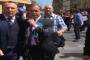 VIDEO: ब्रेक्जिट पार्टी के नेता नीगेल फ्राग पर एक शख्स ने फेंका मिल्कशेक