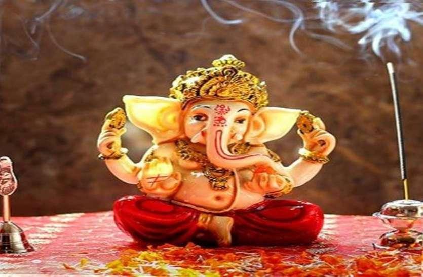 बुधवार को इन 10 तरीकों से करें गणेश जी की पूजा, हमेशा बनी रहेगी मां लक्ष्मी की कृपा