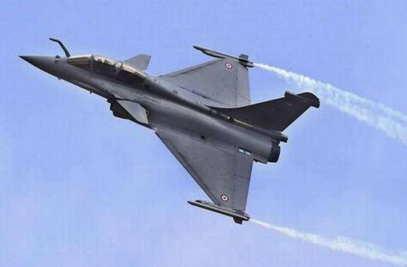 रफाल लड़ाकू विमान जांचने पहुंची भारतीय वायुसेना की टीम पर फ्रांस में हमला
