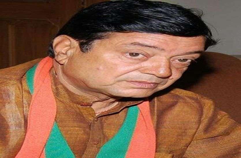 झुंझुनूं से भाजपा के नरेंद्र कुमार आगे