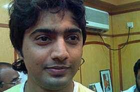 बंगाल में आठ फिल्मी सितारों में 6  जीत गए